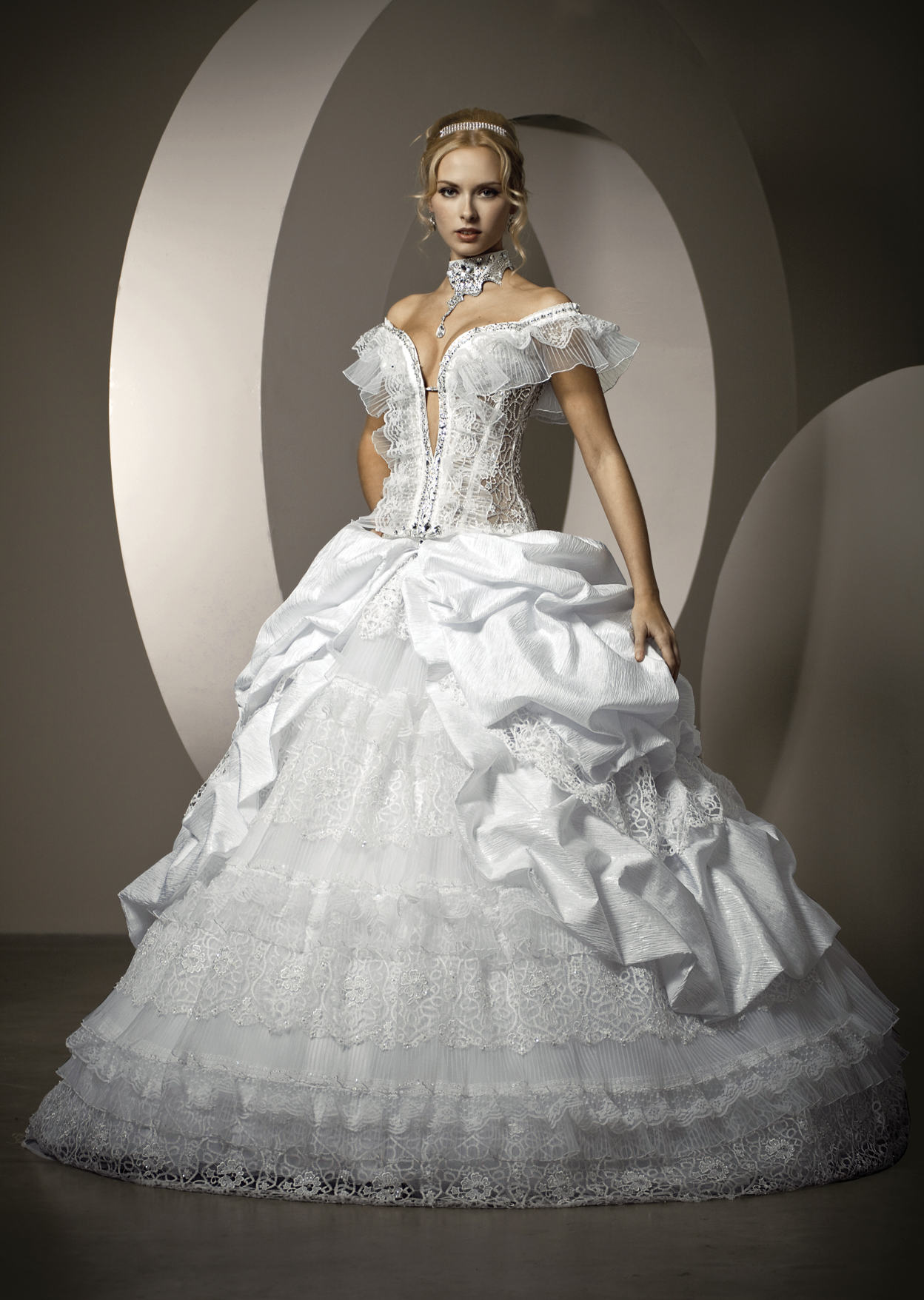 Дизайнерские платья Ravit Design | Свадебные платья | Каталог