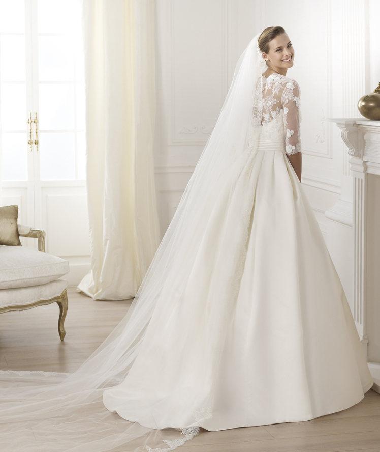 Свадебные платья с кружевом атласные