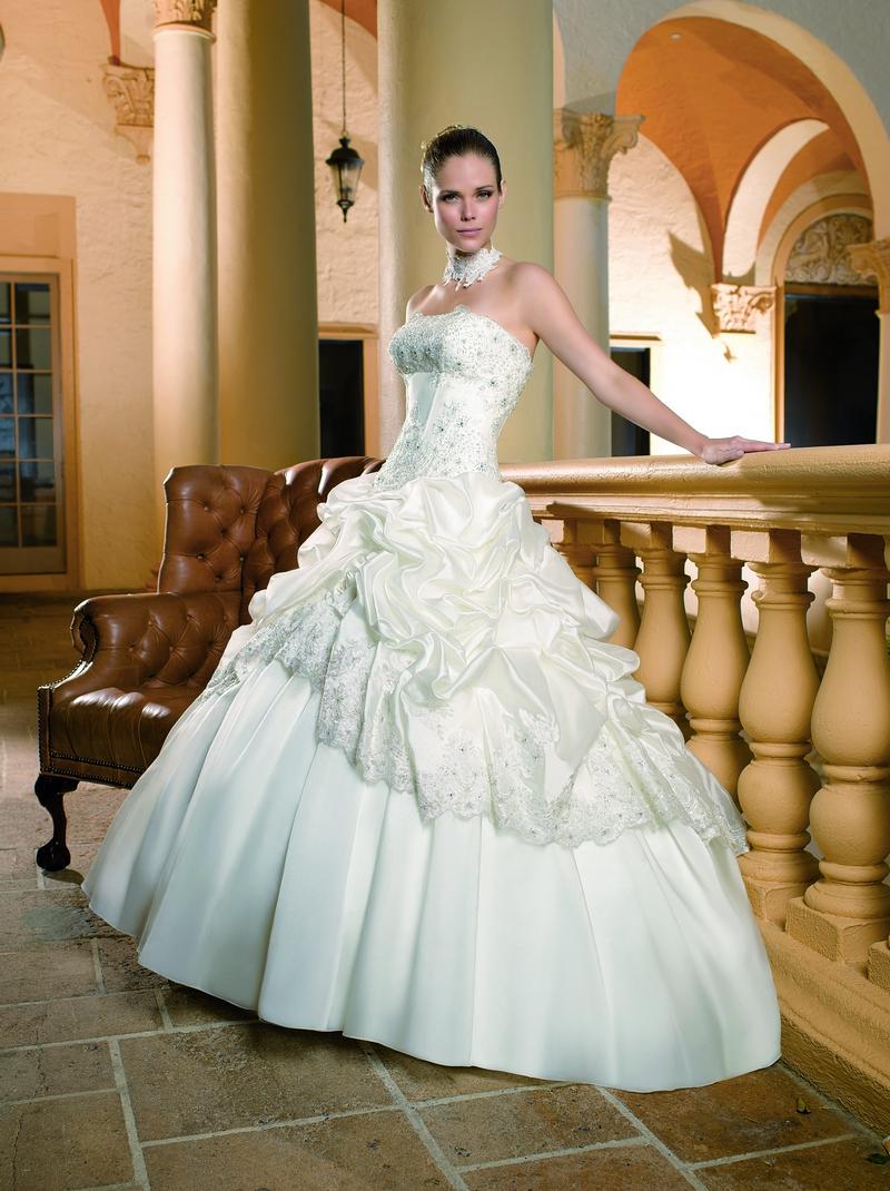 Фото свадебного бального платья