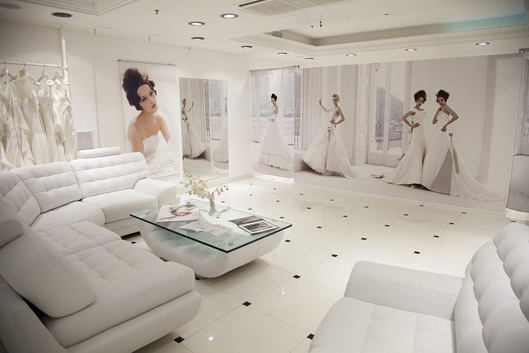 Купить свадебное платье в Москве . Свадебный салон Celebrity готов помочь вам в выборе